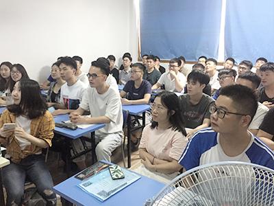 虹貓學園就業︰漢得信息2019年招(zhao)聘現場2